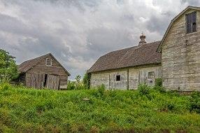 Three-Sisters-Barns