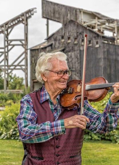 Eckley-Violin-Man-2