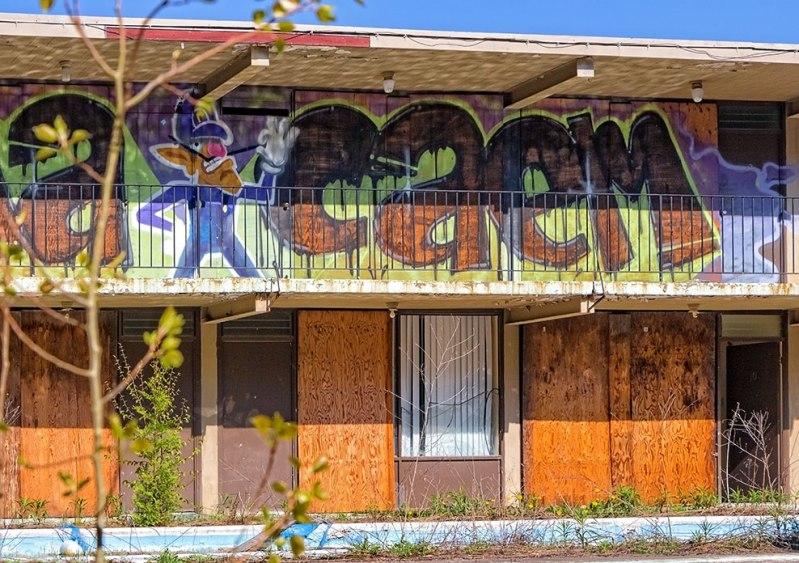 Motel-Graffiti-2
