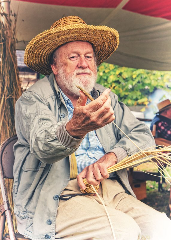 Male Weaver