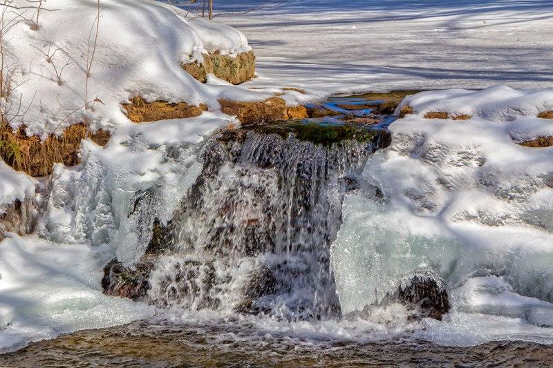 Frozen-Falls-2