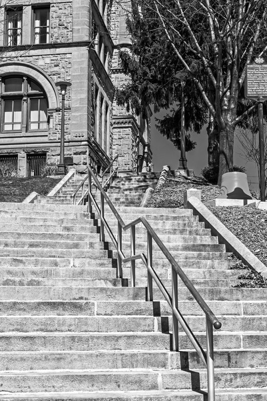 Courthouse-Steps