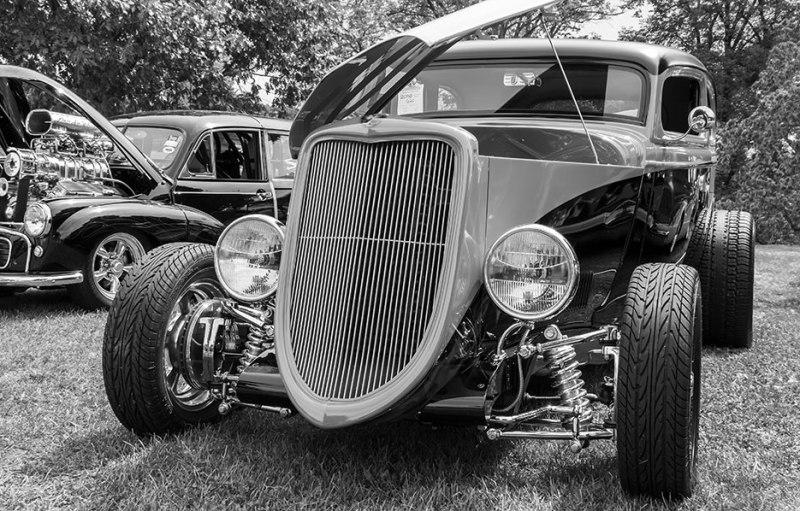 black-white-classic-car-3