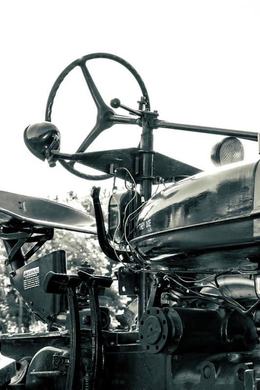tractor-steering-wheel