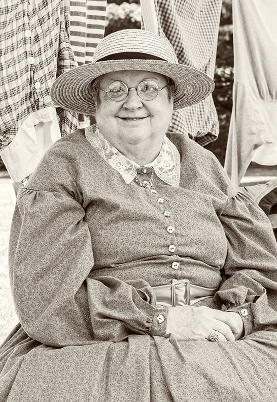 old-fashioned-woman-3