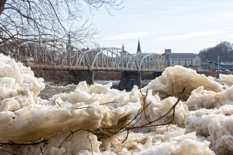 Susquehanna-Ice-Chunks-3