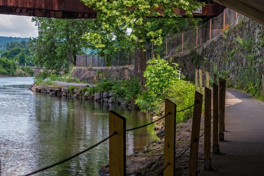 Under-The-Bridges-3