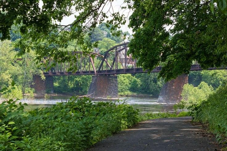 Under-The-Bridges-6