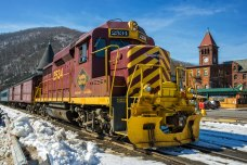 Winter-Train-In-Jim-Thorpe